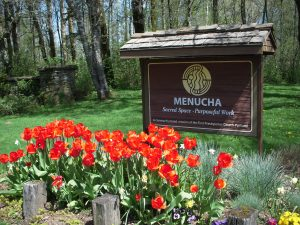 MENUCHA'S ENTRANCE SIGN